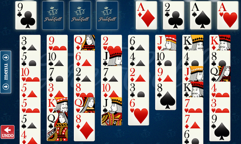 Mesa com as cartas do jogo