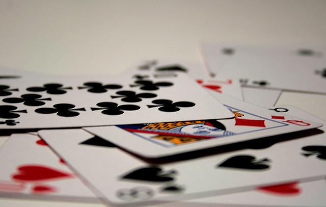 Pilha de jogos de cartas
